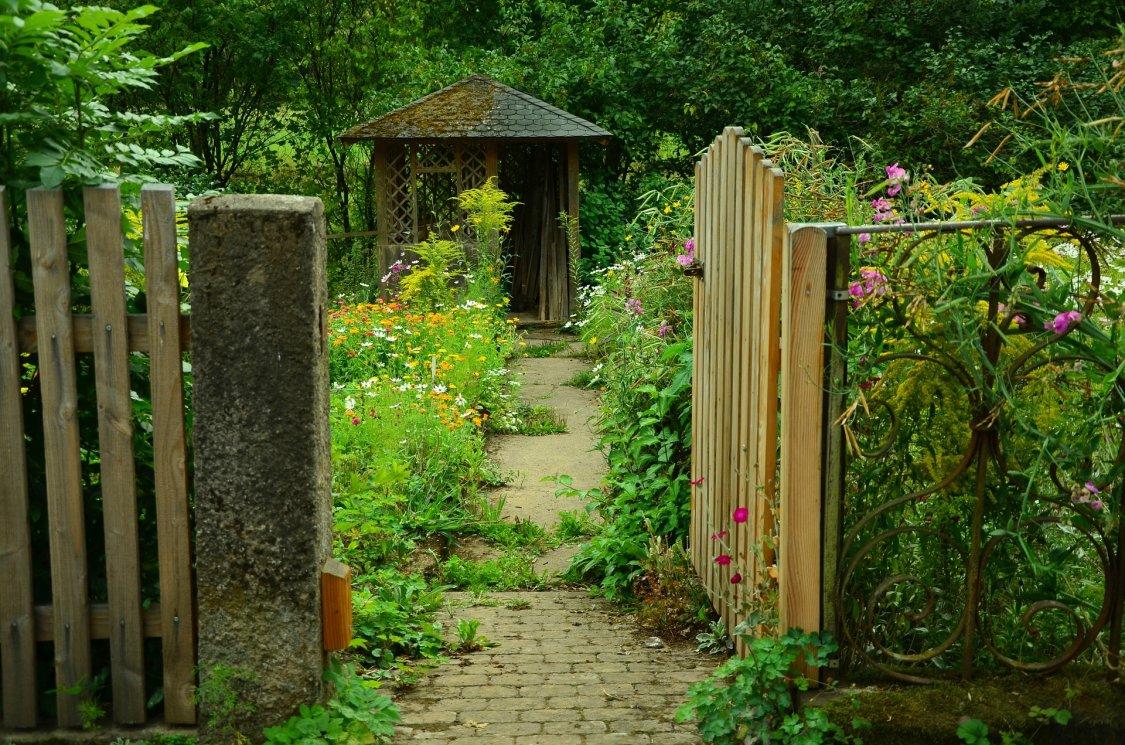 wejście do ogrodu blog projektyprestige.pl