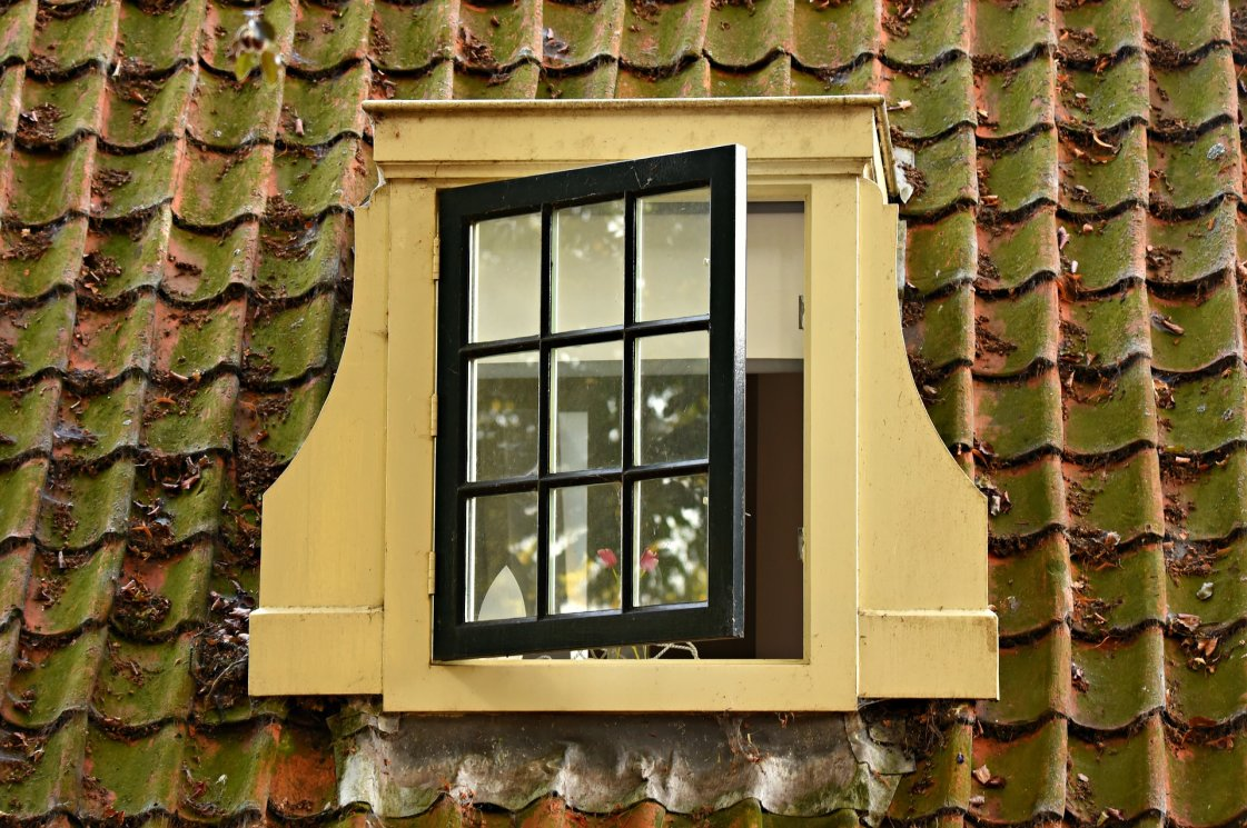 dormer-window-3591341_1920